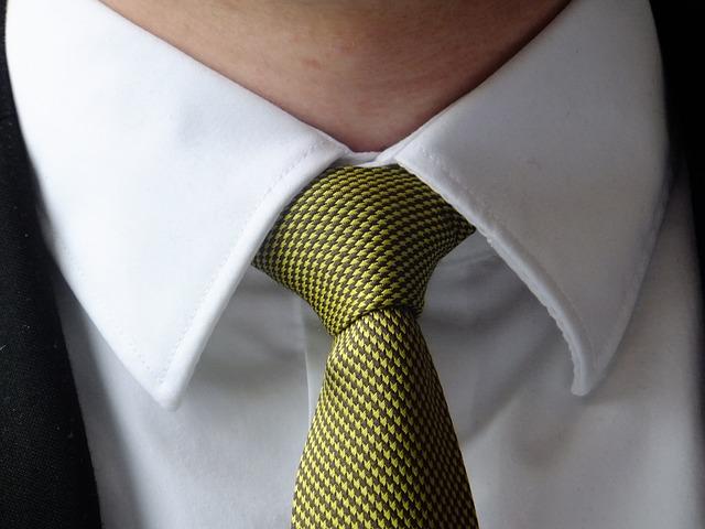 ネクタイの簡単な結び方は動画で!使えるシーンも合わせて紹介