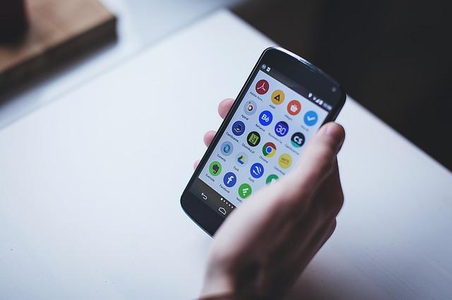 愚痴アプリは無料のコレがおすすめ!共感・返信などの機能も充実!
