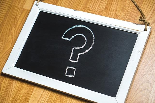 FAQとQ&Aの違いは?ユーザーの意見を反映しているのはこっち!