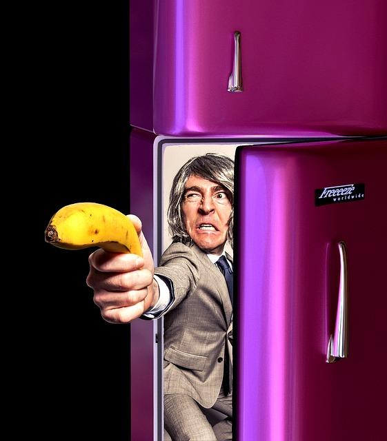 冷蔵庫の開けっ放しで故障?冷えない時に修理に頼む前に試すべきこと